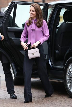 Фото №2 - Самые стильные (и неожиданные) выходы герцогини Кейт в брюках