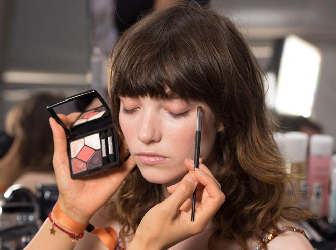 Фото №1 - Как повторить макияж с показа Dior Cruise 2018