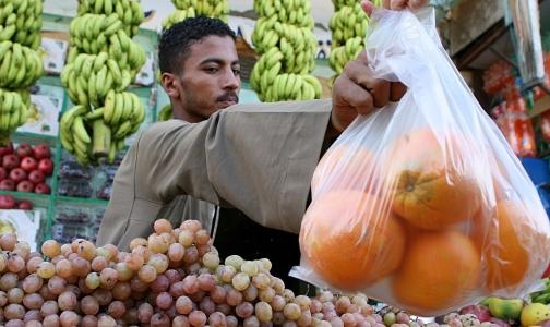 Фото №1 - Минздрав запретит иностранцам работать в розничной торговле