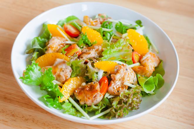 Салат с куриной грудкой и апельсином - пошаговый рецепт для тех, кто на ПП