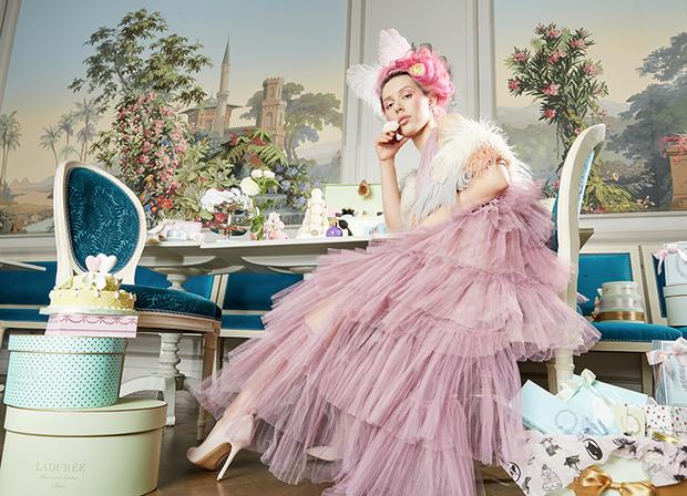 Платье, True Decadence, lamoda.ru; туфли, Liu Jo, lamoda.ru; серьги, все— Sokolov