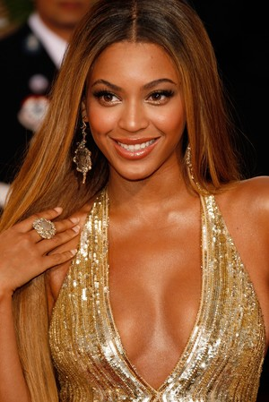 Фото №28 - Легенды «Золотого глобуса»: самые знаменитые наряды в истории премии