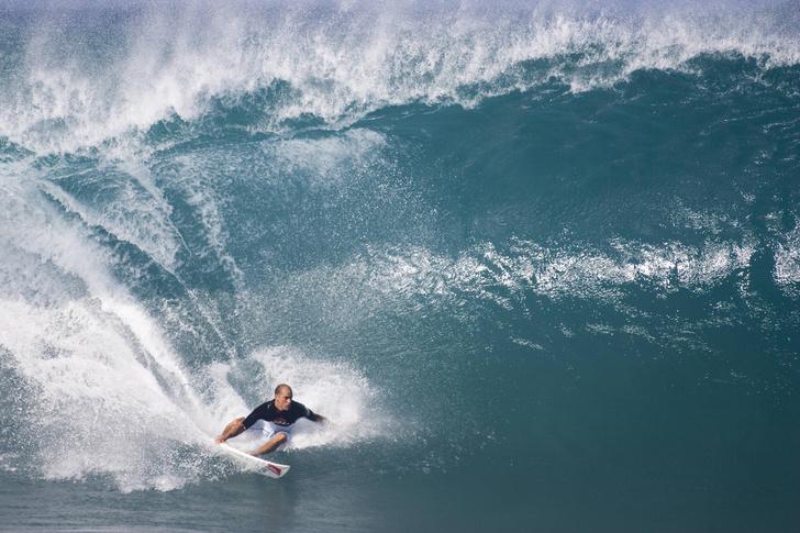 Фото №1 - Почему волны всегда идут к берегу?