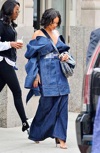 Фото №3 - Это слишком: как Рианна «помешалась» на одежде oversize