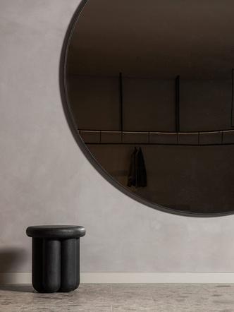 Фото №8 - Магазин мужской одежды по проекту Norm Architects