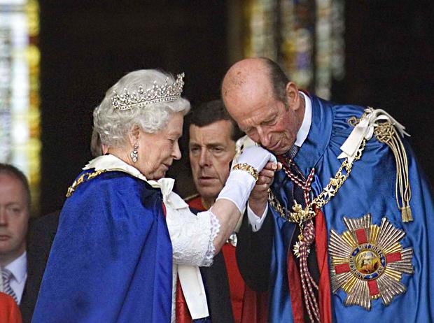 Фото №1 - Виндзоры и масоны: как британская королевская семья связана с братством вольных каменщиков