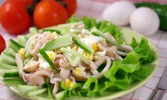 Классический рецепт салата с кальмарами и огурцами