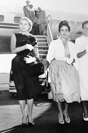 Фото №11 - Держи за ручку: любимые сумки принцесс и королев снова в тренде