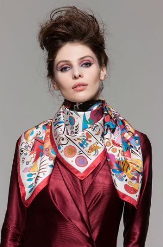 Фото №4 - Sirinbird: сказочные русские платки, популярные не только в России