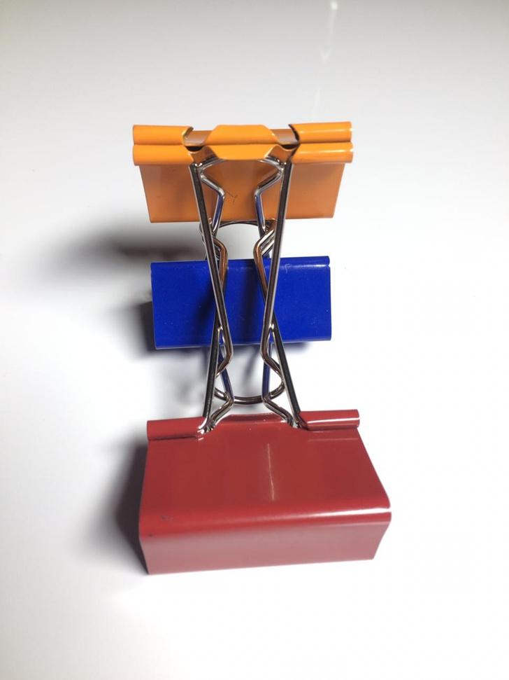 Фото №9 - Лайфхак: подставка для смартфона из офисных зажимов своими руками