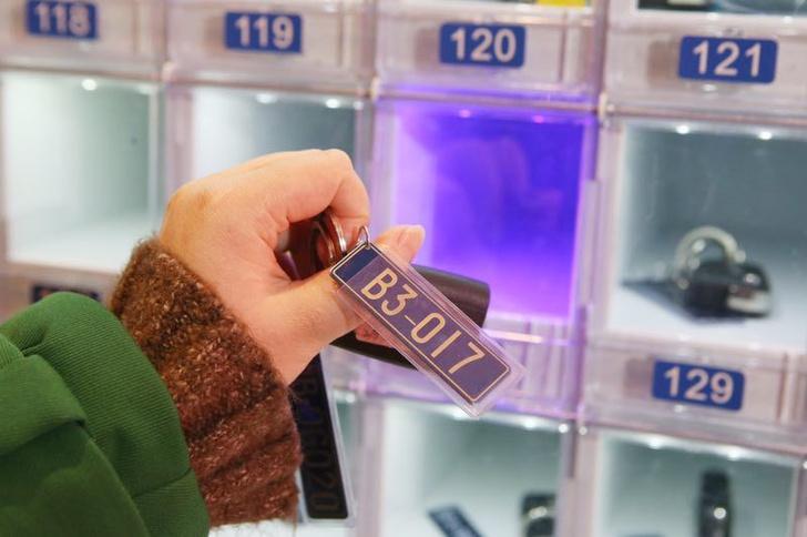 Фото №1 - В Китае появился автомат по продаже автомобилей