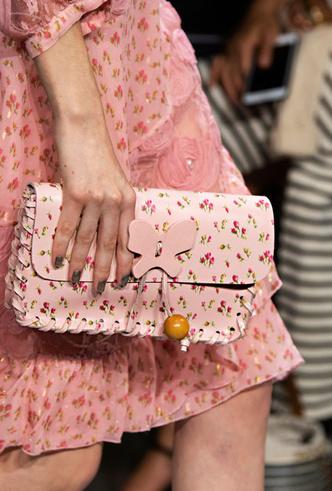 Фото №4 - Самые модные сумки весны и лета 2020