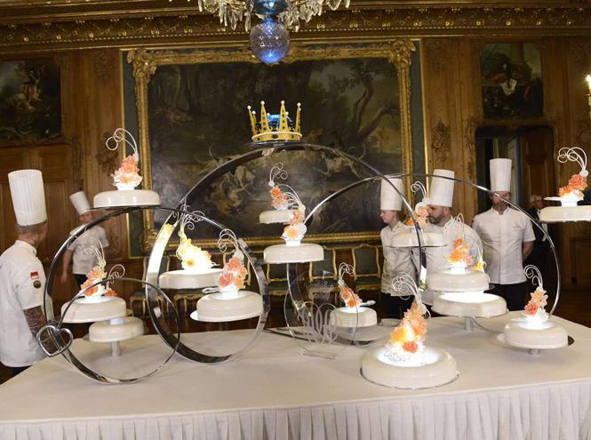 Фото №29 - Сладко: свадебные торты на королевских свадьбах