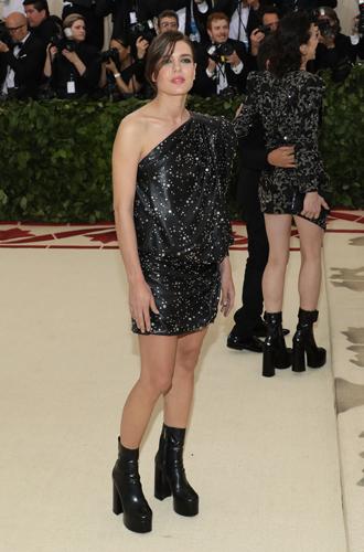 Фото №4 - Принцесса Беатрис Йоркская дебютировала на Met Gala
