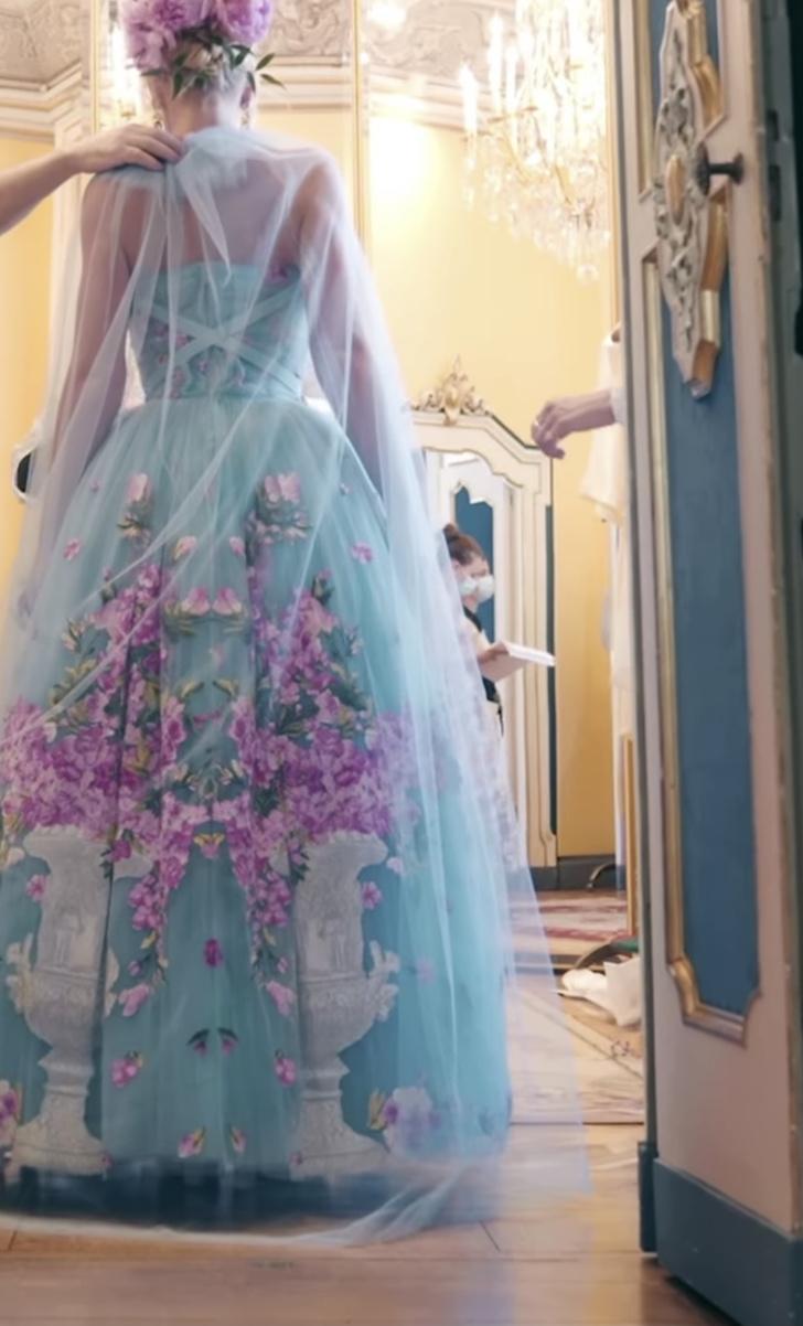 Фото №3 - Абсолютный рекорд: пять кутюрных платьев невесты на королевской свадьбе Китти Спенсер