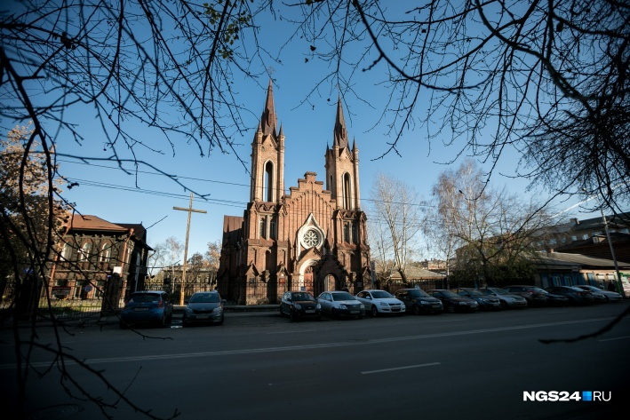 Храм построен в лучших традициях католической архитектуры