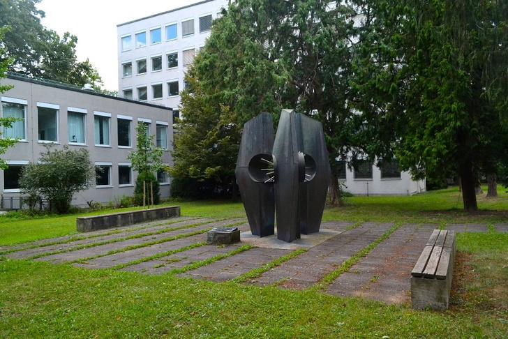Фото №6 - Эврика! 7 любопытных памятников науке