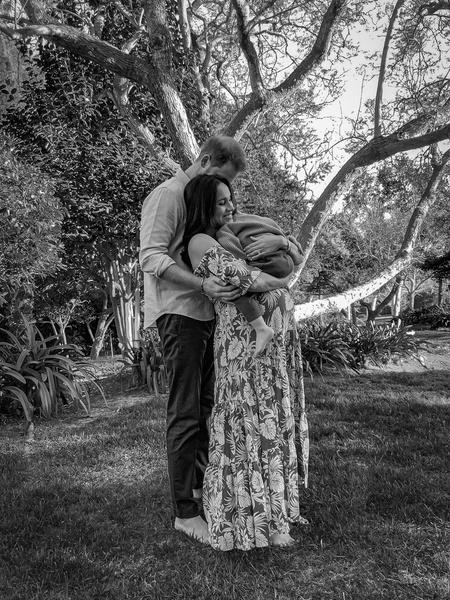 Фото №2 - Вторая попытка: Меган Маркл намерена родить дочь все-таки дома