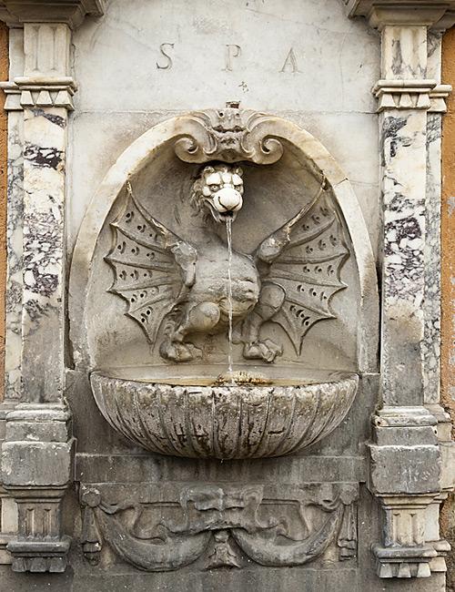 Фото №8 - Вода и камень: питьевые фонтанчики Италии