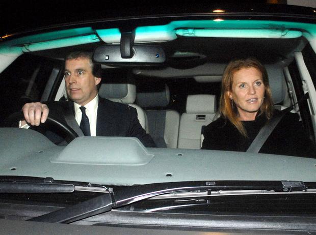Фото №4 - Почему принц Эндрю и Сара Фергюсон остались жить вместе после развода
