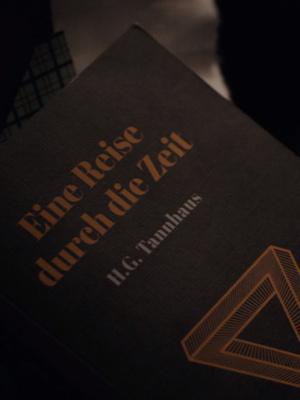 Фото №15 - Краткий пересказ: все, что тебе нужно помнить перед просмотром третьего сезона «Тьмы»