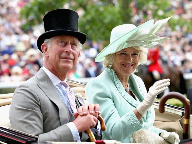 Фото №4 - Почему герцогиня Камилла и ее семья не хотят, чтобы принц Чарльз стал королем