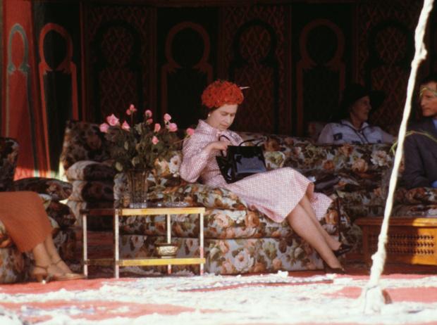 Фото №20 - Секреты дамской сумочки Елизаветы II: что Королева всегда носит с собой