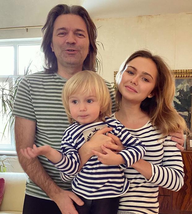 Фото №1 - Дочь Дмитрия Маликова показала редкое семейное фото