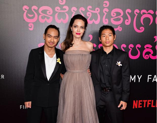 Фото №1 - Старший сын Анджелины Джоли уезжает в Южную Корею