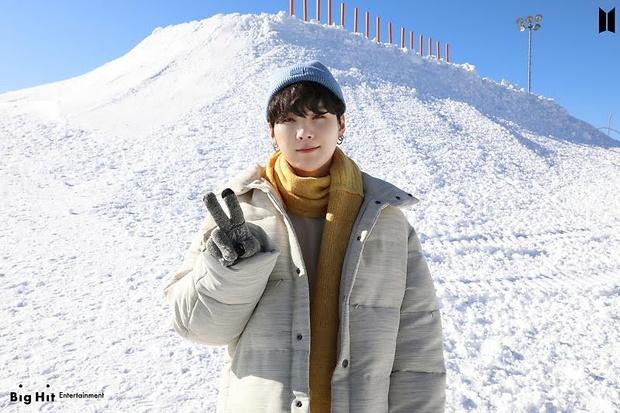 Фото №13 - Снежные ангелы: Big Hit Entertainment выложил 65 новых фото BTS 😍