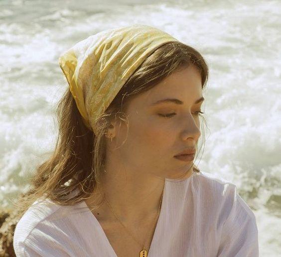 Фото №5 - Соберите волосы: 10 простых причесок для жары