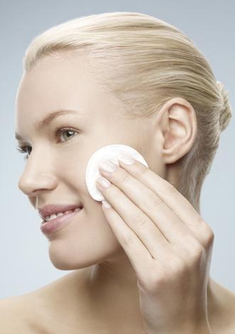 Фото №9 - С чистого лица: как правильно очищать кожу летом