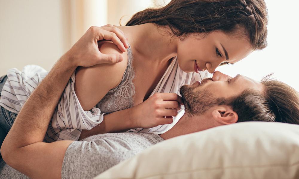 لماذا يحب الرجل صدر المرأة