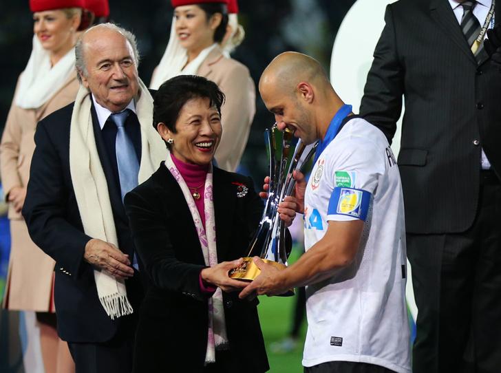 Фото №6 - Кто такая японская принцесса Хисако Такамадо (и почему она болеет за футбол)