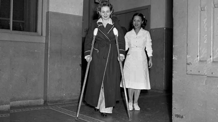 Фото №2 - История одной фотографии: дыра в небоскребе от столкновения с бомбардировщиком, 1945