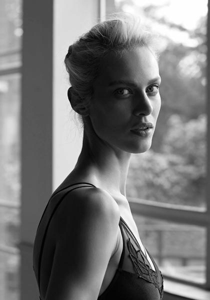 Фото №7 - Неподдельная женственность в новой рекламной кампании Oysho 16/17