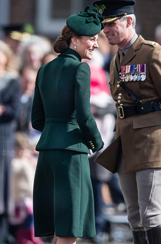 Фото №5 - Герцогиня Кембриджская на параде в честь Дня святого Патрика