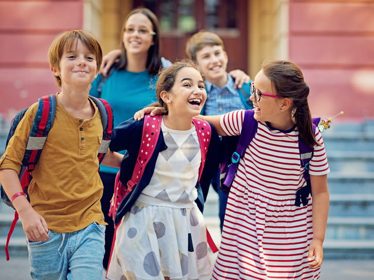 Фото №1 - Как помочь ребенку найти общий язык со сверстниками: советы педагога