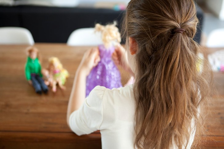 как выбрать игрушку для девочки