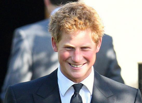 Фото №1 - С кем флиртует принц Гарри?