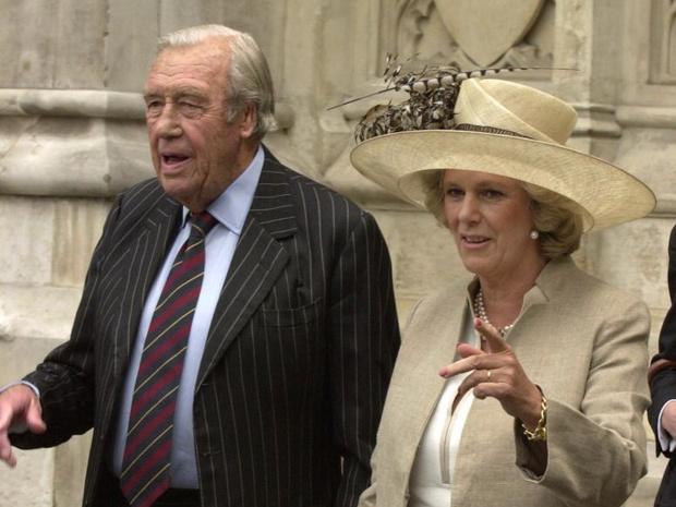 Фото №3 - Почему отец герцогини Камиллы всегда был против ее романа с принцем Чарльзом