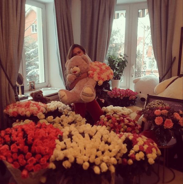 Фото №28 - Звездный Instagram: Знаменитости и цветы