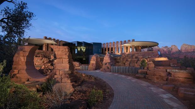 Фото №1 - Роман с камнем: необычный жилой комплекс в Аризоне