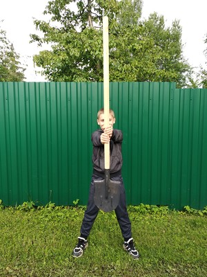 Фото №8 - Спорт на грядке: 5 крутых упражнений с лопатой