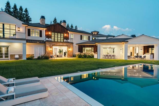 Фото №11 - Мадонна купила бывший дом рэпера Weeknd в Калифорнии