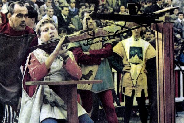 Фото №1 - Устаревшим оружием