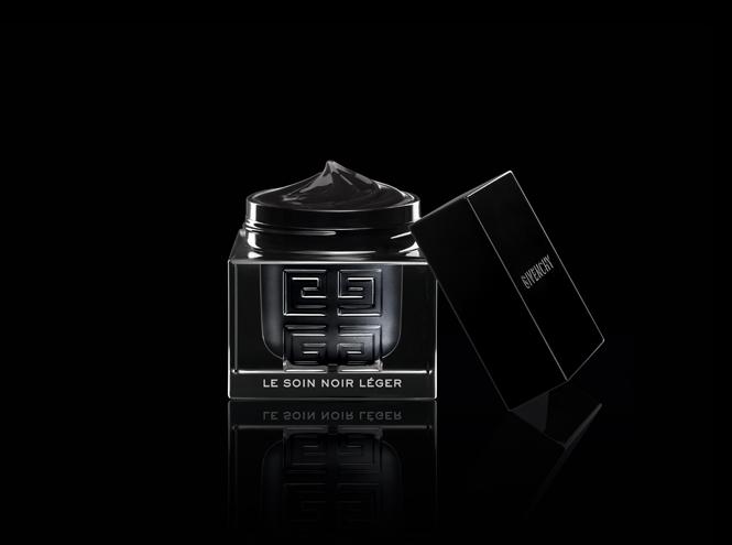 Фото №2 - Самые дорогие косметические средства: Le Soin Noir от Givenchy
