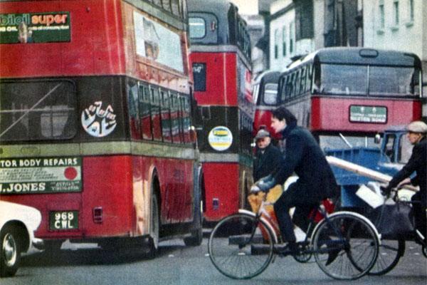Фото №1 - Об англичанах-водителях и англичанах пешеходах