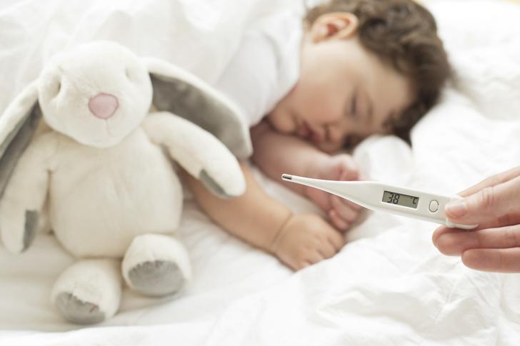Врач-реаниматолог рассказал, как протекает новый штамм коронавируса у детей
