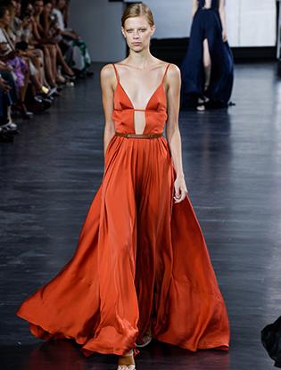 Фото №7 - Тренд лета: коралловое платье «как у подружек Бородиной»